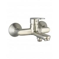 10040 Laska смеситель для ванной  с коротким носом